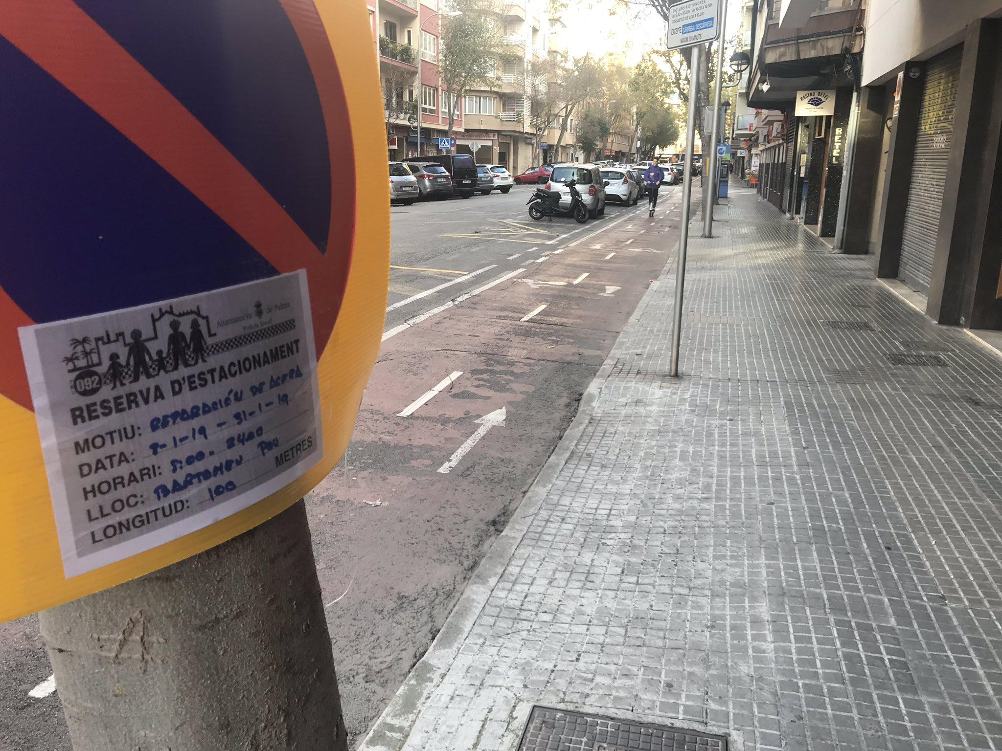 Comencen les obres de millora de les voravies del carrer Bartomeu Pou